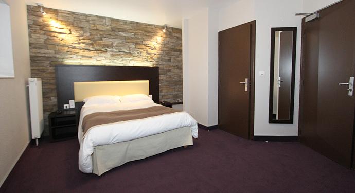 → LES PORTES APCHER LOZERE - HOTEL A75 LOZERE - 2-STERNE-HOTEL